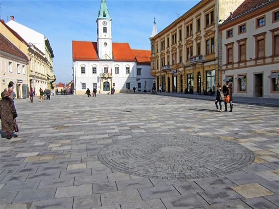 Obilježeni dio nekadašnjeg zdenca na glavnom gradskom trgu
